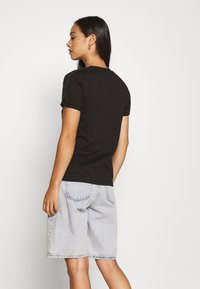 adidas Originals - Camiseta estampada - black - 2