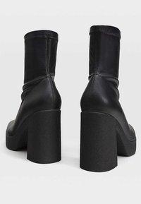 Stradivarius - High heeled ankle boots - black - 3