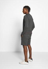 HUGO - Shorts - open grey - 2