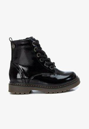 CHAROL - Botines con cordones - black