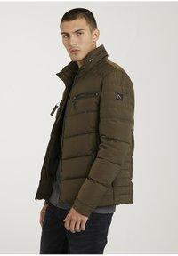 CHASIN' - Winter jacket - green - 3