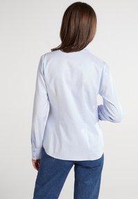 Eterna - MODERN CLASSIC REGULAR FIT - Button-down blouse - hellblau - 1