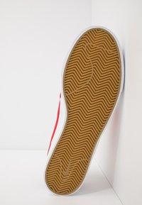 Nike SB - ZOOM JANOSKI UNISEX - Sneakers laag - white/ red/ blue - 4