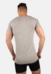 Bandoo Underwear - 2PACK - Undershirt - grey, dark grey - 1