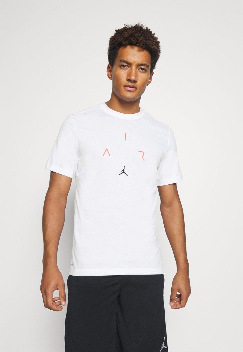 Jordan - AIR CREW - Print T-shirt - white/black