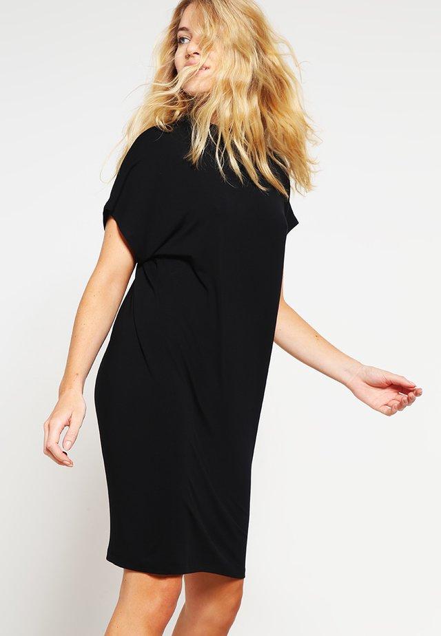 LINEA - Žerzejové šaty - black
