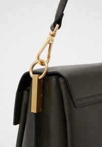 Coccinelle - MARVIN DESIR TRIPLE SATCHEL - Handbag - reef - 3