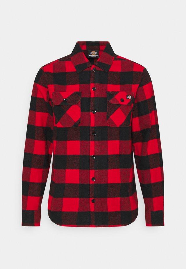 NEW SACRAMENTO - Camisa - red