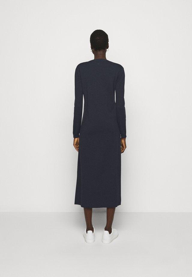 RAFIA - Gebreide jurk - sand