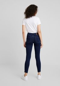 Pieces - PCJAMIE ZIP - Jeans Skinny Fit - dark blue denim - 2