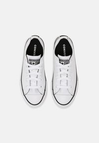 Converse - CHUCK TAYLOR ALL STAR UNISEX - Trainers - white/black - 3