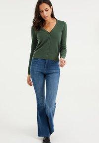 WE Fashion - Cardigan - dark green - 1
