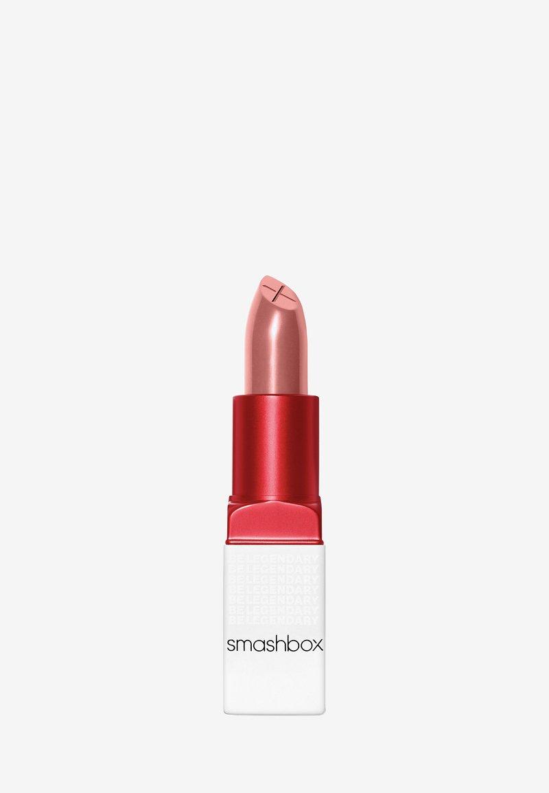 Smashbox - BE LEGENDARY PRIME & PLUSH LIPSTICK - Lipstick - 04 nude rose