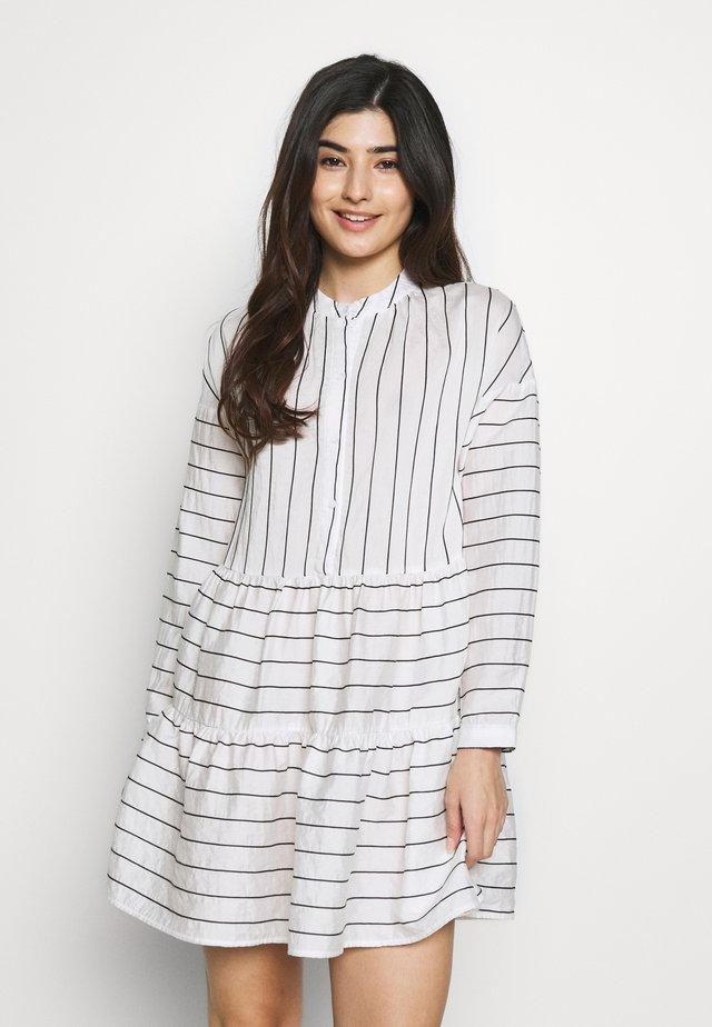 VMHANNAH BUTTON TUNIC VIP PETIT - Shirt dress - snow white/black