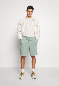 Nike Sportswear - CLUB - Shorts - silver pine/white - 1