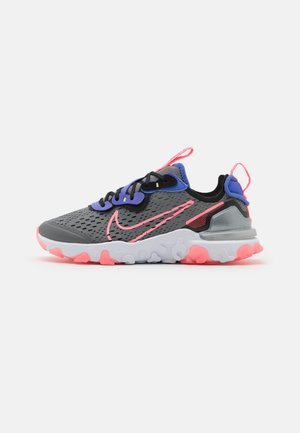 REACT VISION GS UNISEX - Zapatillas - smoke grey/sunset pulse/black/sapphire