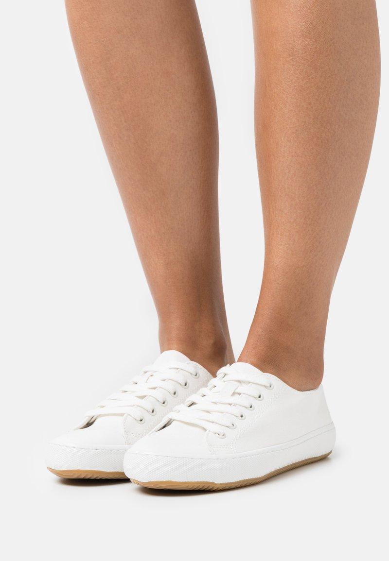 Marks & Spencer London - Sneakers laag - white