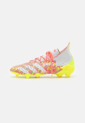 PREDATOR FREAK .1 FG - Fußballschuh Nocken - clear grey/footwear white/solar yellow
