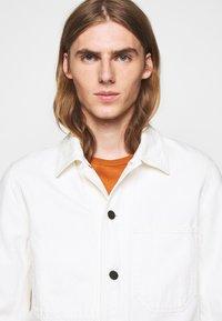 CLOSED - WORKER JACKET - Denim jacket - ivory - 4