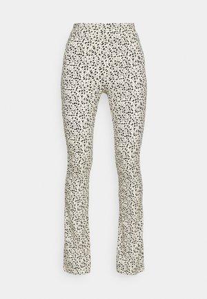 LEOPARD BASIC FLARE PANTS - Kalhoty - sand