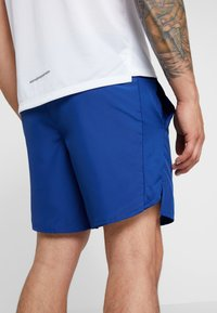 Nike Performance - AIR CHALLENGER SHORT - Urheilushortsit - indigo force/silver - 6