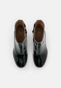 ONLY SHOES - ONLBERRIE BOOTIE - Korte laarzen - black - 5
