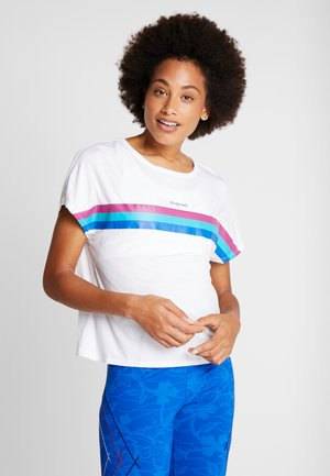 TEE BACK PLEATS STUDIO - T-shirt con stampa - blanco