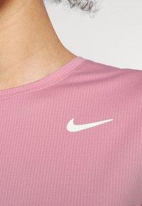 Nike Performance - Jednoduché triko - elemental pink/white - 4