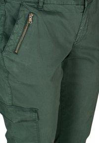 Zizzi - Cargo trousers - green - 4
