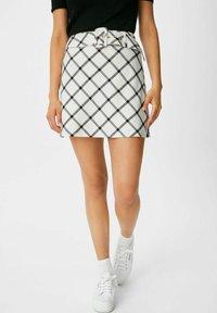 C&A - ARCHIVE - Mini skirt - white / black - 0