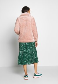 New Look - ISLA PATCH POCKET BORG - Light jacket - pink - 2