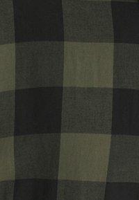 Jack & Jones - JJEGINGHAM - Skjorter - dusty olive - 2