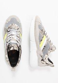 Mercer Amsterdam - SNAKE NEON - Sneakers - white - 1
