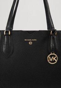 MICHAEL Michael Kors - MAE TOTE MERCER PEBBLE - Handbag - black - 6