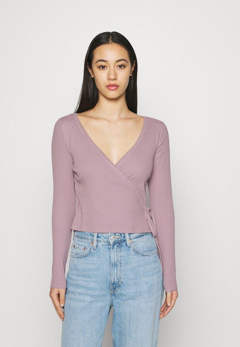 Monki - Langærmede T-shirts - lilac/purple dusty light