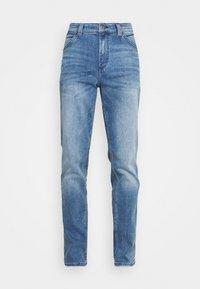 Mustang - TRAMPER - Jeans Tapered Fit - denim blue - 5