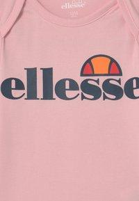 Ellesse - AMEALIO 3 PACK UNISEX  - Body - pink/light pink/white - 3