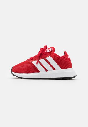SWIFT RUN UNISEX - Trainers - scarlet/footwear white/core black
