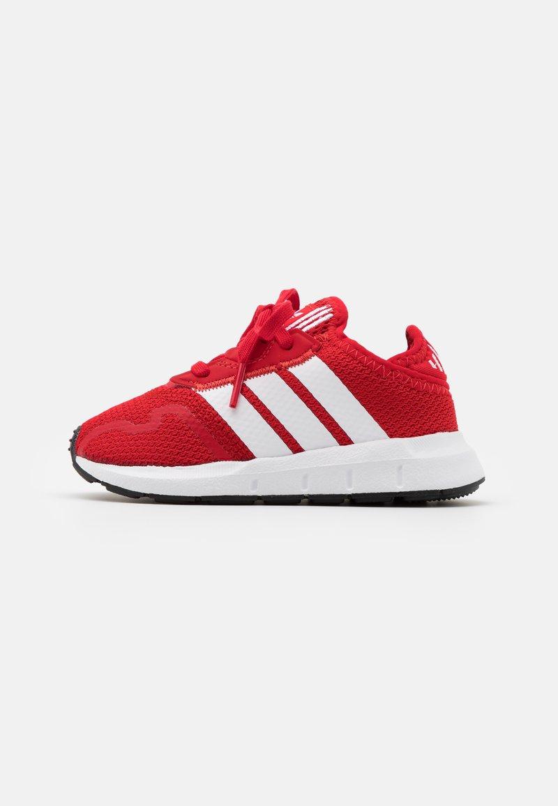 adidas Originals - SWIFT RUN UNISEX - Trainers - scarlet/footwear white/core black