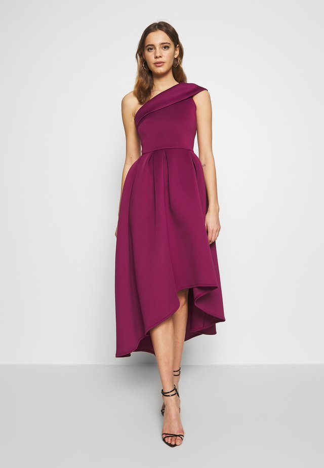 ONE SHOULDER SKATER MIDI DRESS - Robe de soirée - berry