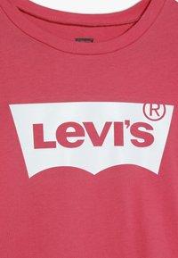 Levi's® - BATWING TEE - Long sleeved top - tea tree pink - 4