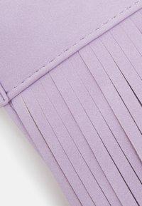 Lindex - BAG FRINGES - Across body bag - light lilac - 3