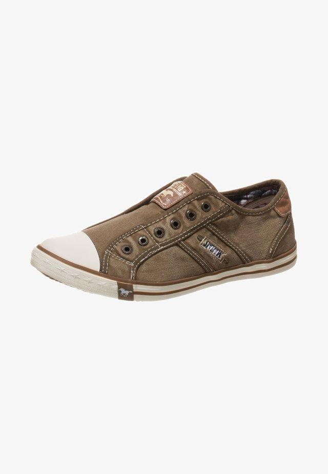 Nazouvací boty - sand