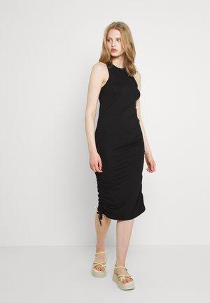 ENSTEVIA DRESS - Jerseyjurk - black