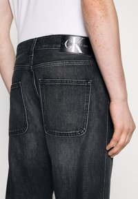 Calvin Klein Jeans - DAD JEAN - Relaxed fit jeans - black - 5
