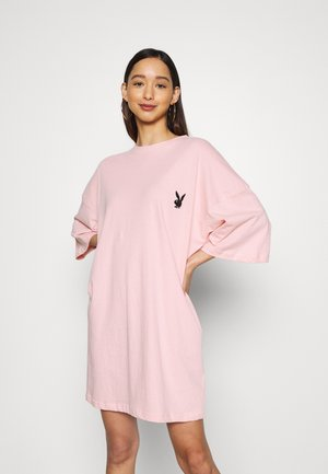 PLAYBOY REPEAT SLOGAN DRESS - Jerseykjole - pink