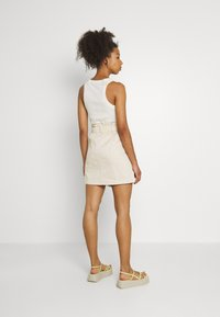 ONLY - ONLRAZZLE SKIRT - Mini skirt - pumice stone - 2