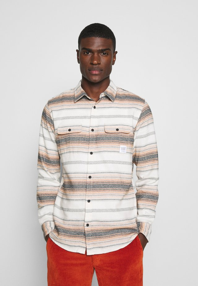 ONSALEX STRIPED - Shirt - marmalade
