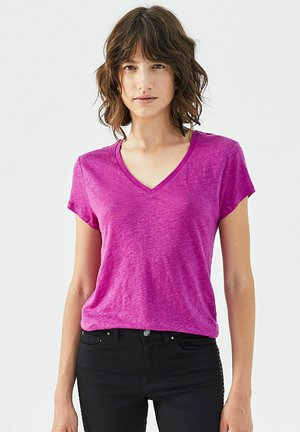 WITH STAR EMBROIDERY - Basic T-shirt - fuchsia