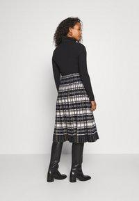 Derhy - PHEDRE JUPE - A-line skirt - black - 2